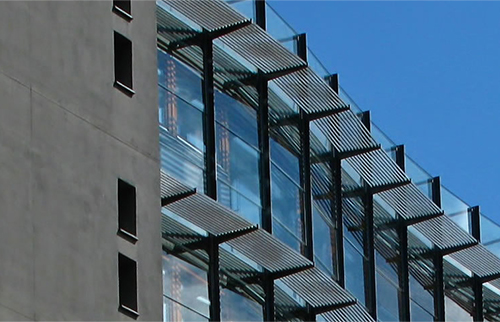 magnetite windows for businesses