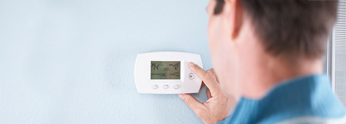 Adjusting thermostat for energy savings